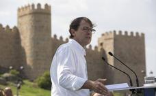 Mañueco pone «a disposición» de Casado al PP de Castilla y León