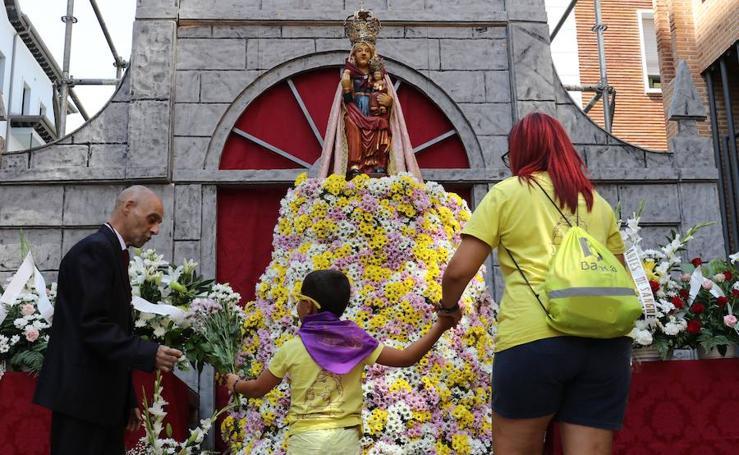 Ofrenda floral a Nuestra Señora de San Lorenzo