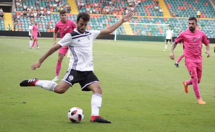 El Salmantino empata en el Helmántico con la Ponferradina (0-0)