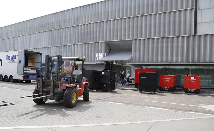 Montaje del escenario de Maluma en La Balastera (Palencia)