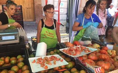 Martín Muñoz de las Posadas vende una tonelada der tomates en un día