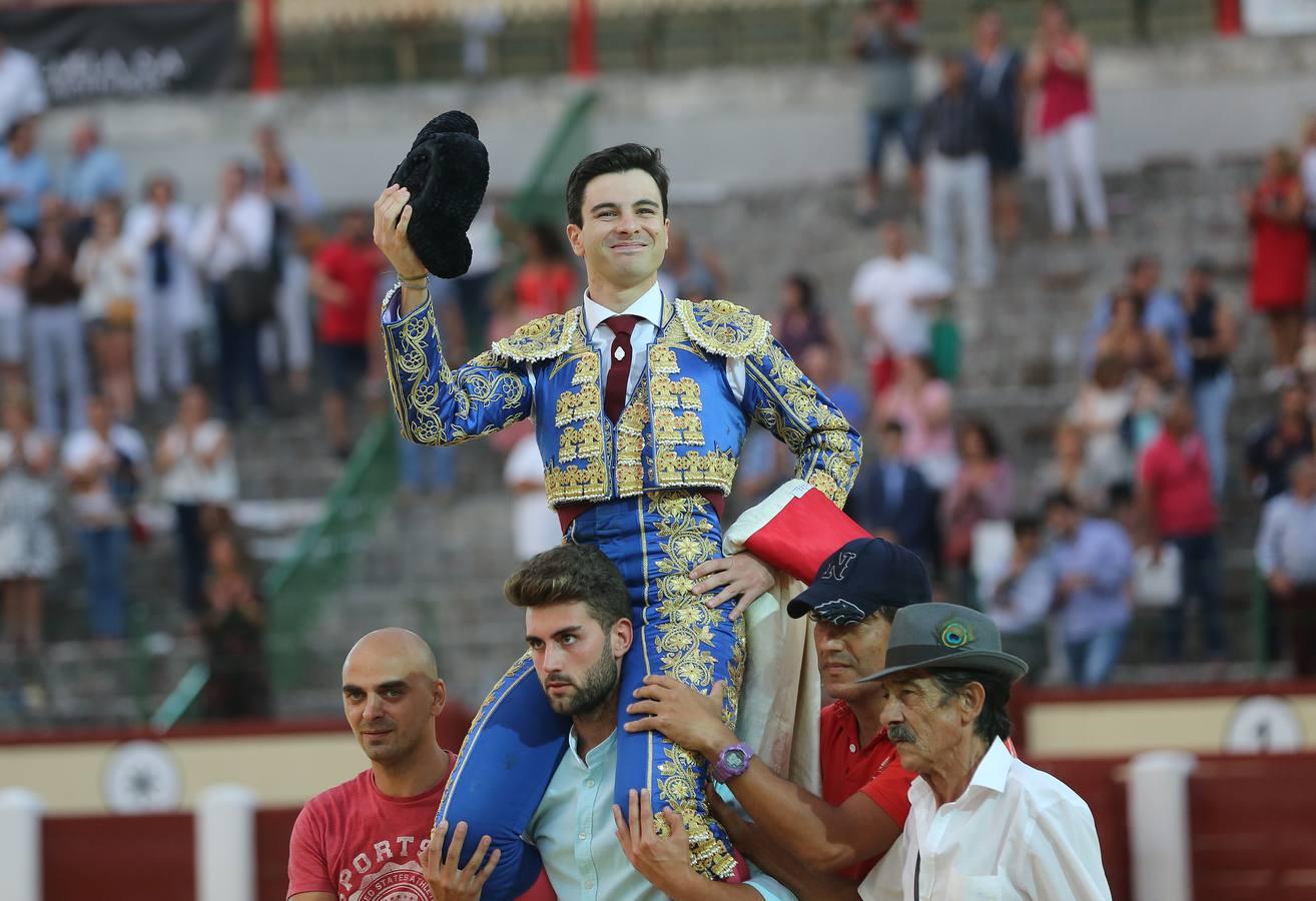 Toñete abre la Puerta Grande en la novillada que inauguró la Feria Taurina de Valladolid