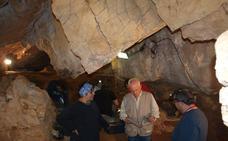La campaña arqueológica en Cueva Guantes finalizará el lunes