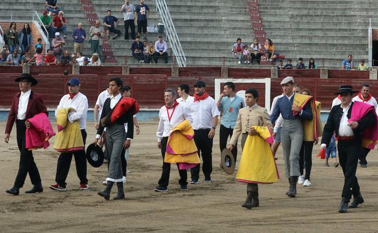 Tradicional becerrada de la asociación de camareros de Segovia