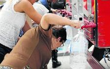 Los Bomberos abastecen de agua potable a San Bernardo y Valbuena