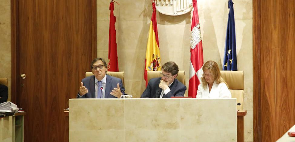 PP y oposición arrinconan sus disputas y aprueban las siete mociones del pleno
