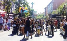 El flamenco y la percusión animan la fiesta en Laguna