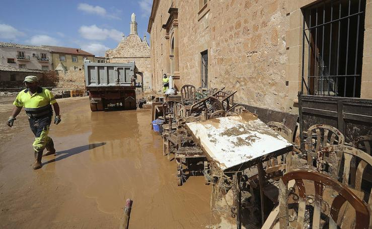 El río Jalón se desborda e inunda Santa María de Huerta, en Soria