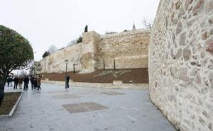 Formalizado el contrato para restaurar la muralla en Rector Esperabé