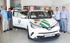 El CD Guijuelo presenta su nuevo coche oficial