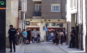 Una multa leve de 60 euros fue el origen de la agresión a tres policías en Las Viudas