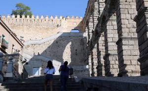 La Policía concluye que la caída de una joven italiana sin identificar desde la muralla de Segovia ha sido «accidental»