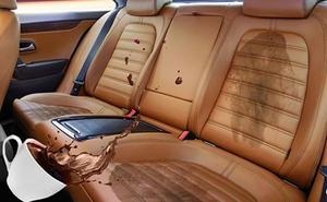 Las cinco manchas más difíciles de quitar de la tapicería de tu coche