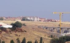 Las obras de la SG-20 obligarán a retirar 17.200 metros cúbicos de basura de un antiguo vertedero