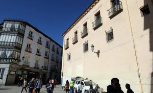 La «doble vara» de medir la rehabilitación del teatro Cervantes