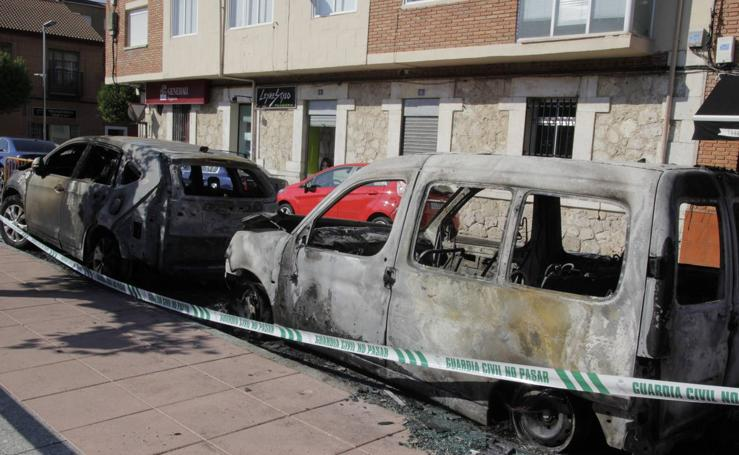 Arden varios coches en Laguna de Duero