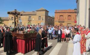 El cardenal Blázquez ensalza la participación de las mujeres en la procesión de Villavicencio