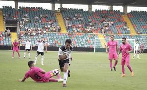 El Salamanca CF UDS busca a la cuarta su primer triunfo en 2ª B