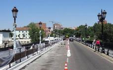 El Puente Mayor de Valladolid permanerá cerrado al tráfico este martes y miércoles para las labores de asfaltado