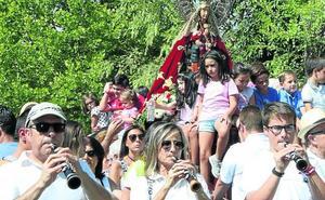 Cuéllar muestra su devoción por la Virgen del Henar