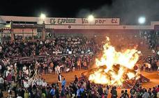 Fuego y romería en la traca final de El Espinar