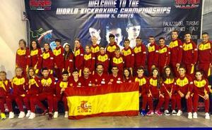Tres deportistas de la Escuela de Kickboxing Élite, en el Mundial WAKO en Italia