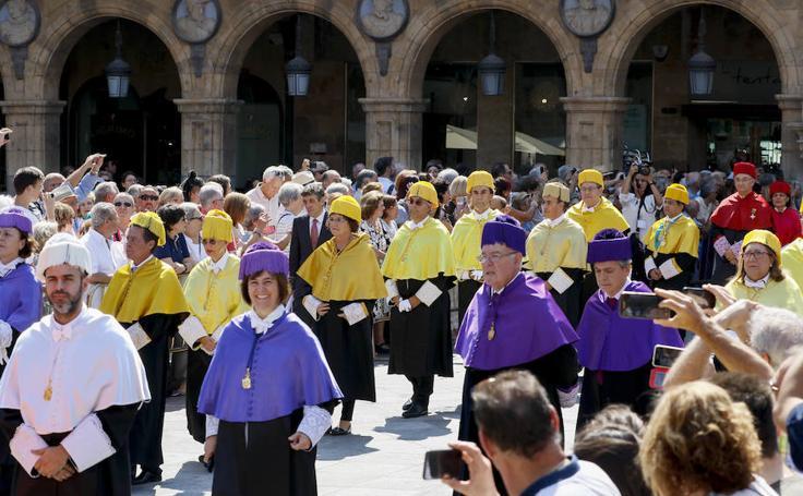 Comitiva de rectores por la reunión de la Magna Charta en Salamanca