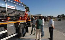 La Diputación de Segovia 'jubila' un camión con 43 años de servicio