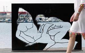 Polémica por una exposición de alto contenido sexual en las calles de Valencia
