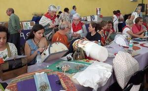 esther Maganto, Encajera del Año, en el Ecuentro de Bolillos de Fuenterrebollo