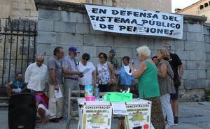 Los jubilados de Segovia vuelven a exigir pensiones dignas