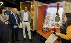 Óscar Puente visita la exposición de la Obra Social de La Caixa 'Héroes ocultos. Inventos geniales'