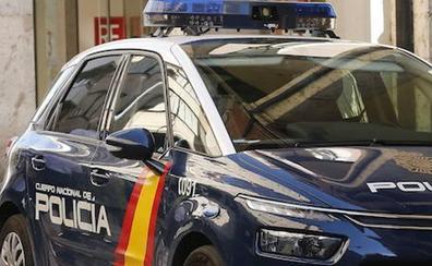 Detenido por robar un bolso en el interior de un vehículo en Arca Real