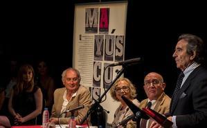 «La revista 'Mayúsculas' nace con el reto de inducir a pensar»