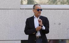 Mario Conde se incorporará a la Junta Directiva de la Asociación Salvar el Archivo de Salamanca