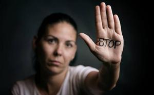 El Supremo fija que un tocamiento sexual no consentido es abuso