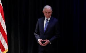 El fiscal general de EEUU limita la capacidad de los jueces para la expulsión de migrantes