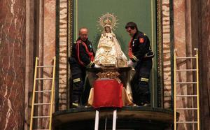 La Virgen de la Fuencisla honra a los cofrades de los años 60