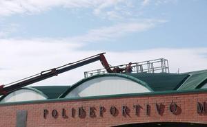 Las reparaciones en la cubierta del pabellón evitarán filtraciones de agua