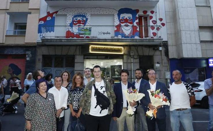 El barrio del Oeste estrena una intervención artística del afamado salmantino Ricardo Cavolo