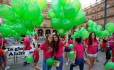 Suelta de globos de AFA Salamanca por el Día Mundial del Alzheimer