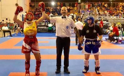 Ana Muñoz, subcampeona del mundo de kickboxing en Italia