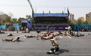 Al menos 24 muertos y decenas de heridos en un ataque contra un desfile militar en Irán