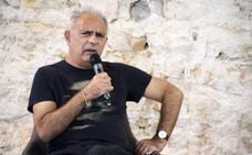 Hanif Kureishi: «Para escribir hay que ir contra la decencia»