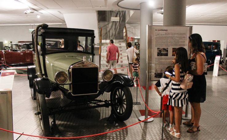 Éxito de la jornada de puertas abiertas del Museo de la Automoción de Salamanca