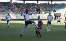 El CD Guijuelo se lleva el derbi ante el Salamanca CF UDS (1/2)