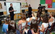 La Policía Nacional intensifica la lucha contra el acoso en el curso escolar