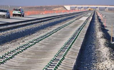 Adif licita los trabajos de tratamiento de carril en el tramo entre Zamora y Pedralba