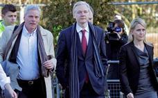 Julian Assange deja de dirigir Wikileaks y cede la dirección a su antiguo portavoz