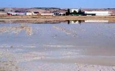 Día de cubos y achique en la comarca de Cuéllar y Vallelado tras el diluvio